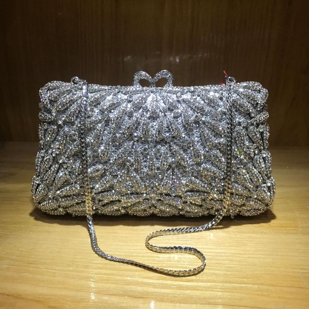 حقيبة سهرة براثن كريستالية للنساء حقيبة يد معدنية للحفلات مزينة بالورود حقيبة يد نسائية لحفلات الزفاف وحفلات الزفاف مزينة بالماس 2021 جديد