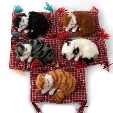 Ornements de lintérieur de la voiture   Décoration de tableau de bord, mignon Simulation chats endormants, peluche chatons poupée jouet, accessoires de voiture