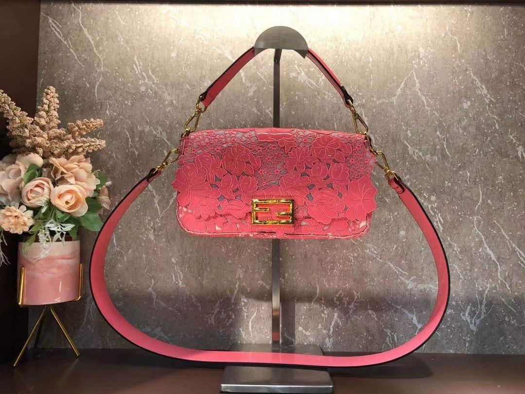 2021 new early spring embroidered pink ladies fashion trend Joker slung shoulder bag portable sm