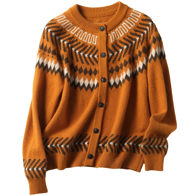 Age reduction is welcome, fashionable and beloved! Fashionable retro Christmas theme jacquard crew neck sweater