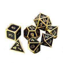 7 stks/set Zwarte Goud Dobbelstenen Reliëf Heavy Metal Polyhedrale Dobbelstenen Voor DND RPG MTG Game Dices Set met Zak