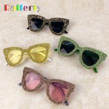 Ralferty 2020 lunettes de soleil de luxe marque femme Festival Bling noir cristal lunettes de soleil femmes oeil de chat Vintage nuances pour les femmes G1718