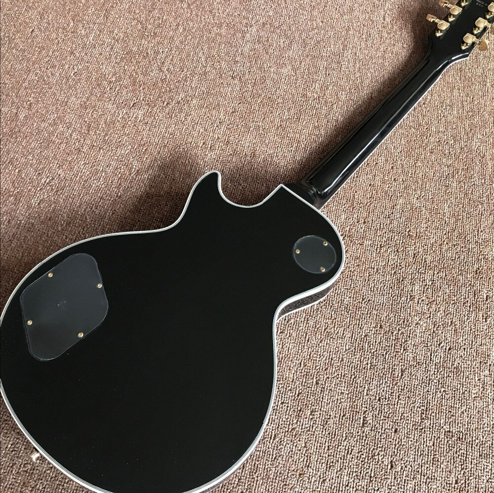 Custom electric guitar,Gold  hardware gitaar.handwork 6 Strings custom guitarra.Flame maple top. enlarge