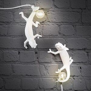 Nordic Chameleon Table Lamp Homestay Designer Modern Resin Decorative Lamp for Living Room Bedroom Bedside Lamp Table Lamp