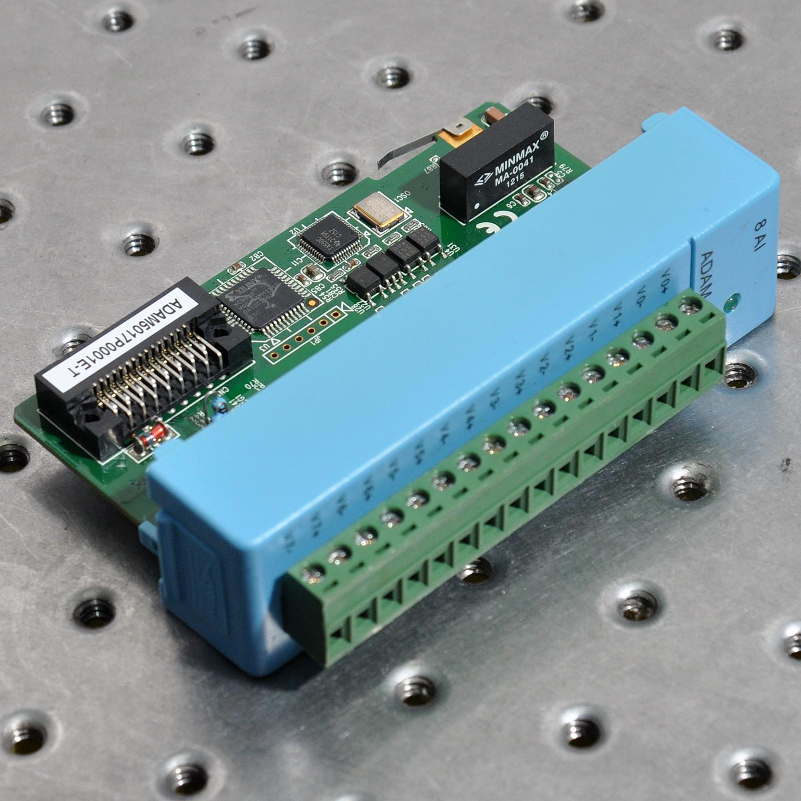 ADVANTECH ADAM-5017P 8-channel analog input module can independently configure the input range