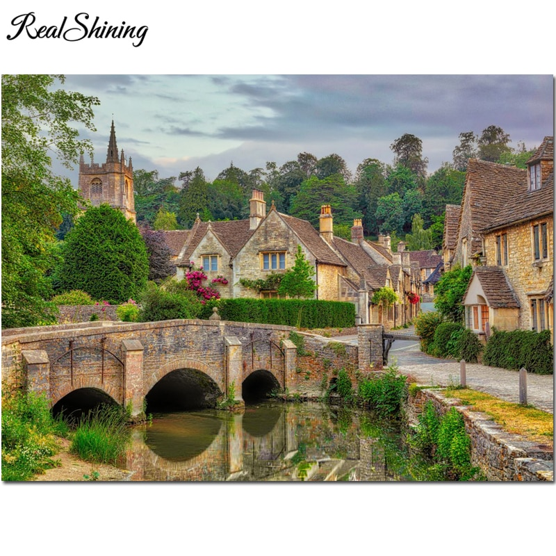 5D Diamond Painting Full Square round Castle Combe, Cotswolds diamond Embroidery Sale Diamond Mosaic Picture Rhinestone Home Decor FS7100