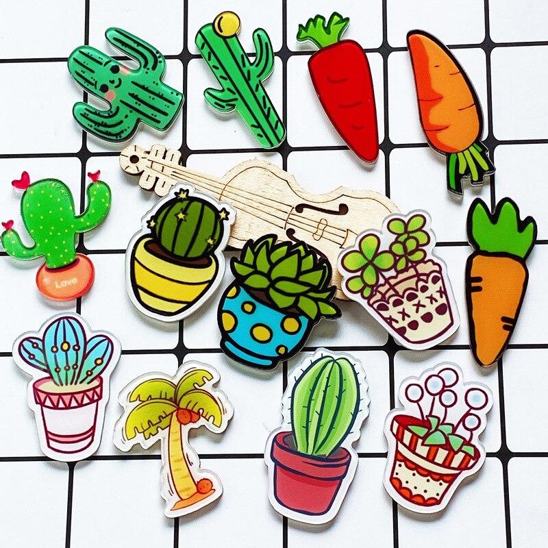 Кактус из мультфильма растение кокосовое дерево значки серии милый морковь дети детского сада класса эмблема приза