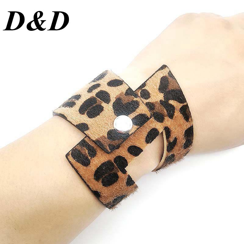 D & D, nueva moda triangular circular, brazaletes de cuero ancho con estampado de leopardo para mujer, joyería de cuero Vintage, venta al por mayor