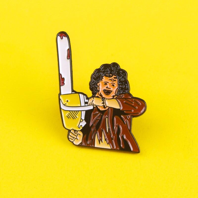 Pin esmaltado de la película de Horror Texas, insignias de la matanza de motosierra para hombres y mujeres, pin de solapa, regalo creativo, insignia para mochila