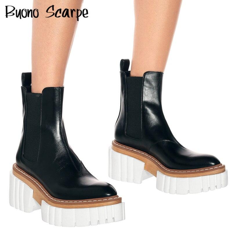 جلد طبيعي النساء حذاء من الجلد جديد 2021 عالية الكعب أحذية منصة سوداء سميكة وحيد الانزلاق على امرأة أحذية تشيلسي عادية البريطانية