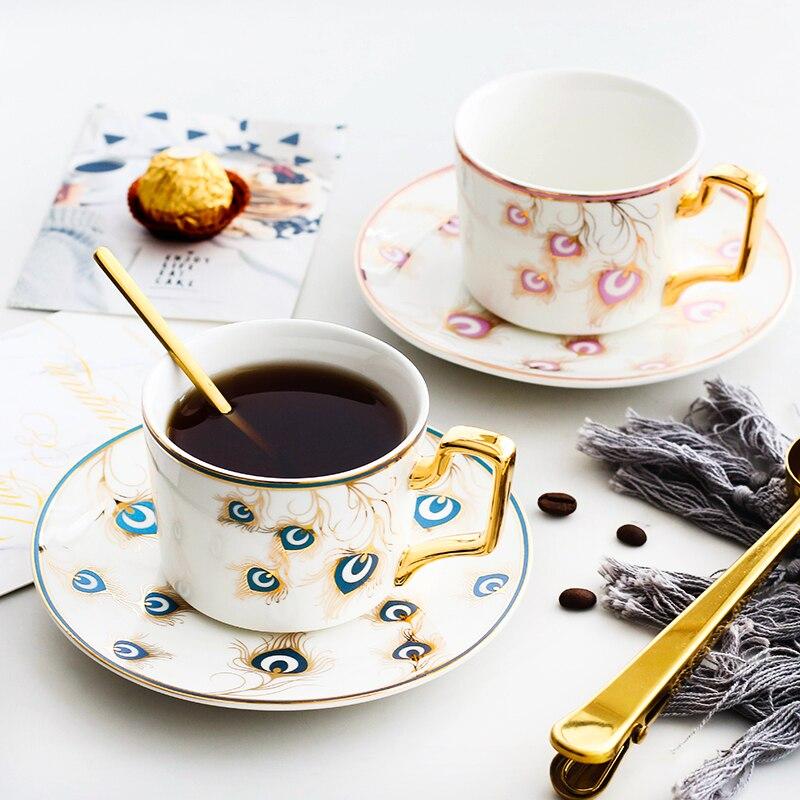 الشمال الذهبي الطاووس موضة فنجان القهوة والصحون الفاخرة السيراميك الخزف فنجان شاي مجموعة المنزل حفلة بعد الظهر فنجان شاي درينكوير