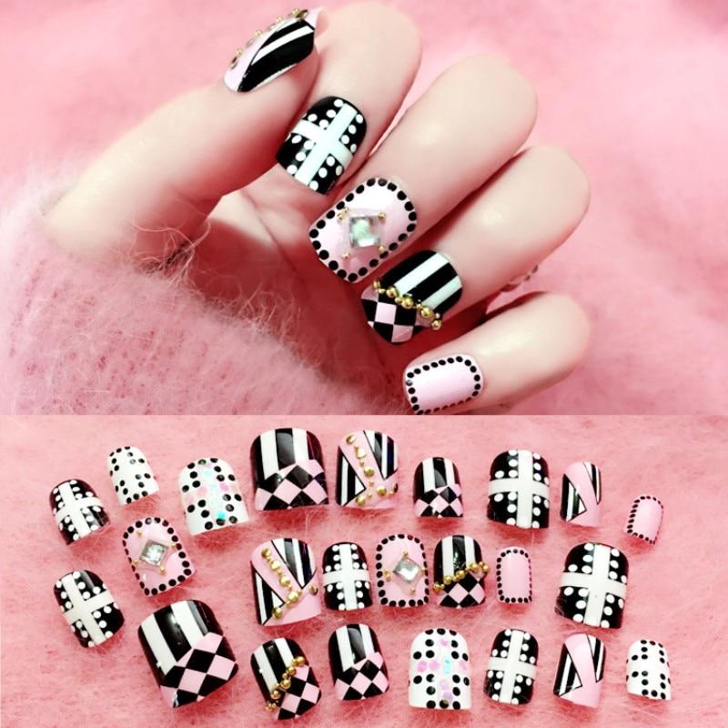24pcs/set Elegant Fake Nails Black White Stripe Color Mix Chic Short False Nails with Pearl Rhinestone Square Acrylic Nails Tips