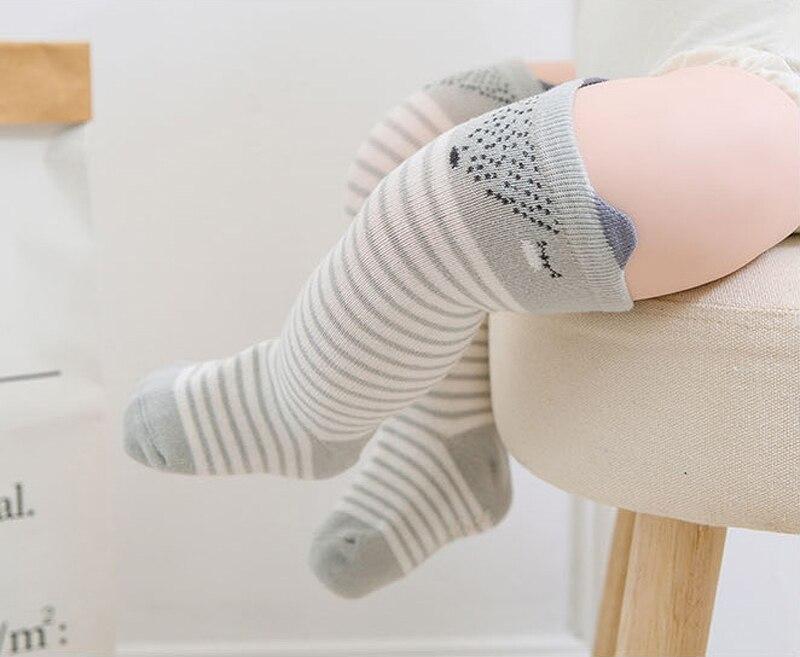 Для младенцев, для маленьких мальчиков и девочек носки осень-зима теплые хлопковые футболки с принтами животных противоскользящие гольфы д...