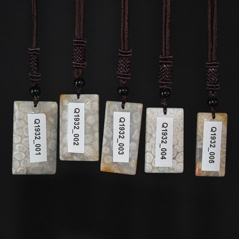 QIANXU الكريمة حجر المرجان قلادة قلادة قلادة معلقة من اليشم غرامة مجوهرات مع سلسلة