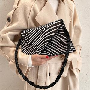 Crocodile pattern Square Crossbody bag 2020 New High quality PU Leather Women's Designer Handbag Vintage Shoulder Messenger Bag