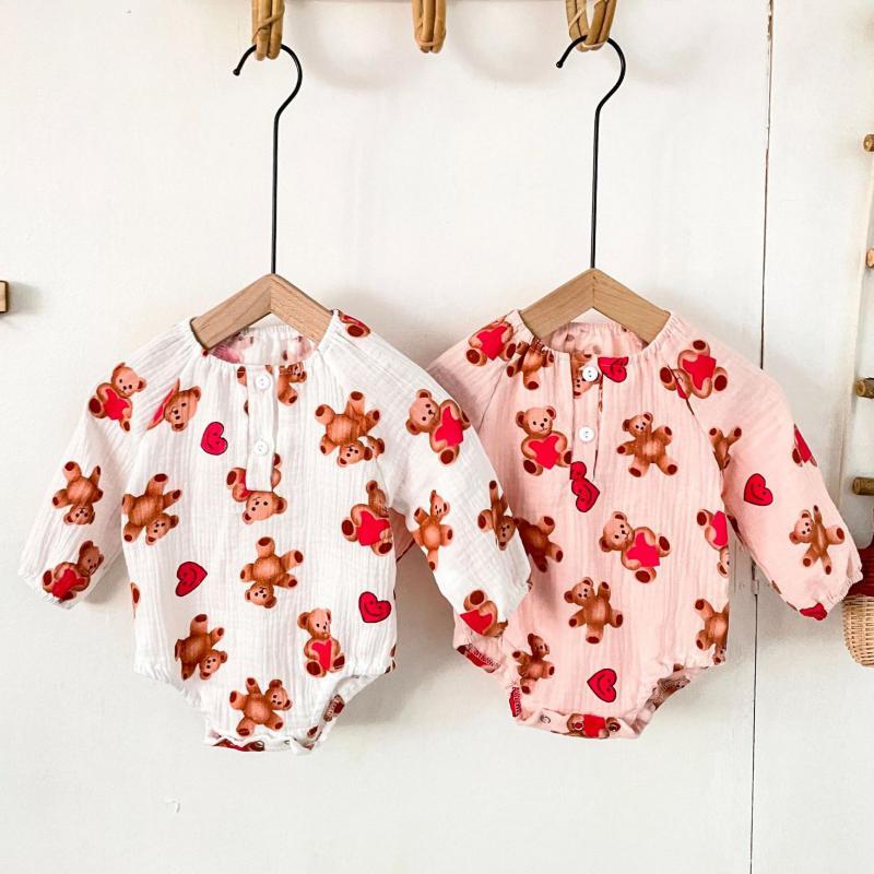 Осеннее боди с длинным рукавом для малышей, новинка 2021, Модный комбинезон для маленьких девочек с принтом медведя, хлопковая одежда для малы...
