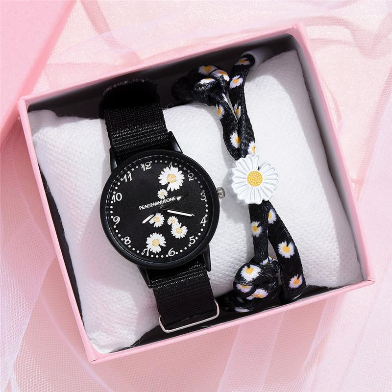 Small Daisy Wrist Watch Women Fashion Nylon Strap Dress Quartz Watch Simple Wild Girlfriends Couple Watch Birthday Gift Women