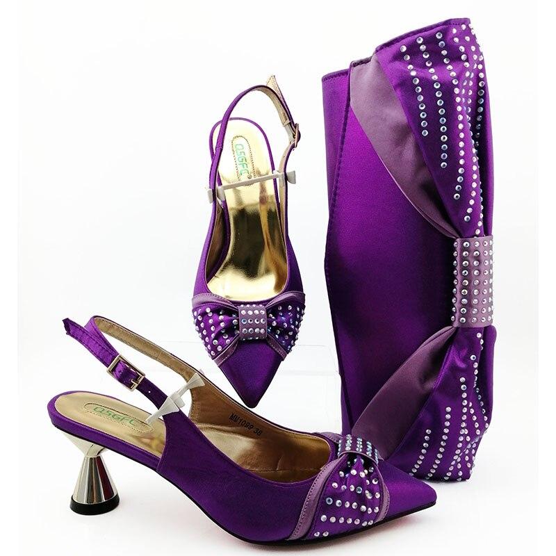 2020 ناضجة اللون الأرجواني الجديدة القادمة حذاء مريح وحقيبة لمطابقة مجموعة أحذية الحفلات عالية الكعب و مجموعة الحقائب لحفل الزفاف