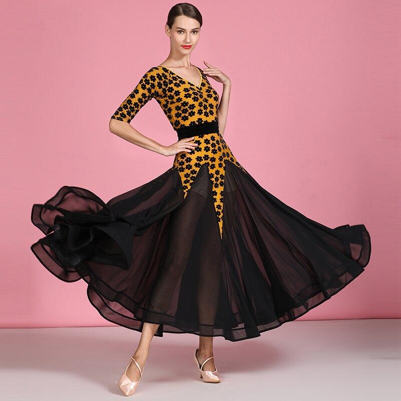 جديد الحديثة فستان رقص المخملية منتصف الأكمام قاعة الرقص فساتين المنافسة القياسية أثواب رقص اسحب الملكة ازياء DQS372