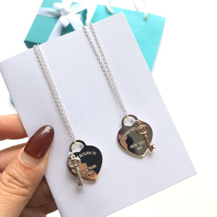 Ожерелье-женское-из-серебра-2022-пробы-с-кулоном-в-виде-ключа
