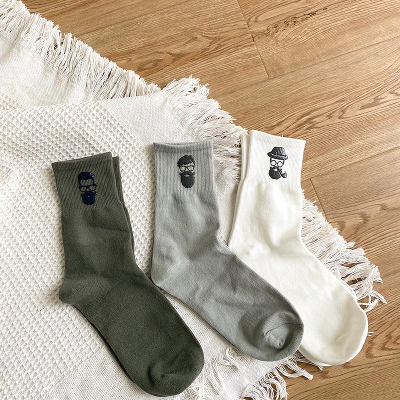 Men's midline socks cotton deodorant and sweat-absorbing trend black autumn and winter stockings men