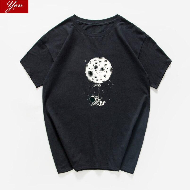 Camiseta divertida de astronauta fly on the earth, camisetas de algodón 100% de verano para hombre, ropa de calle holgada, camiseta estética hipster de cadera para hombres