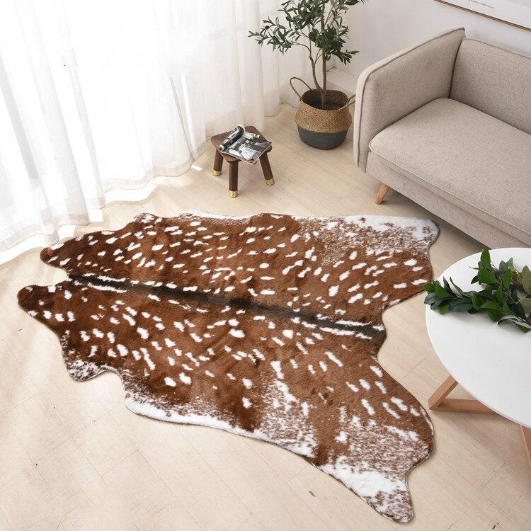 Moda caliente faux deer impreso alfombra de terciopelo alfombras de imitación de cuero piel de vaca pieles de animales alfombras con formas naturales alfombras de decoración