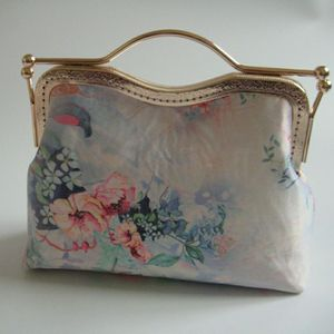 Pure Handmade Vintage Japan Flowers Bags Bag Hand Kiss Lock Shell Women's Handbags Purses Chain  Women Shoulder Crossbody Bags