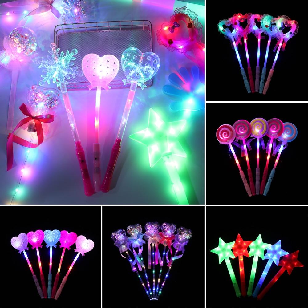1Pcs Kinder Cartoon LED Blinklicht Bis Glowing Finger Ringe Elektronische Weihnachten Neue Jahr Spaß Spielzeug Geschenke für Kinder dropship