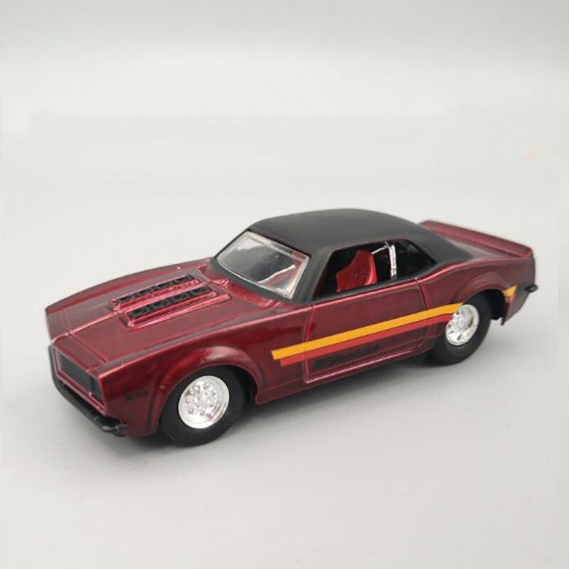 Mustang escala 1/43, coche deportivo, coche de aleación de fundición a presión, juguete de modelo de coche de simulación, regalo para niños, pantalla de colección interior
