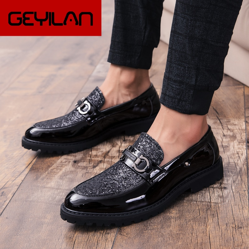 2019 Fashion Classic Style Men Shoes Gold Silver Simple Designer Men Casual Shoes outdoor slip on pa