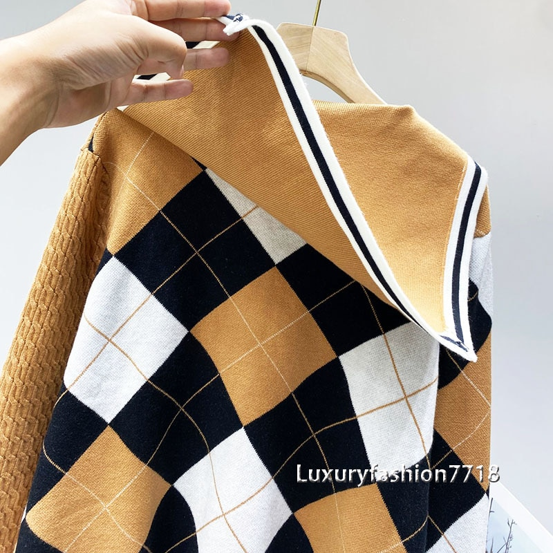 2021 Fashion high end new style Cardigan sweater for women Navy collar Vintage college coat V-neck Plaid brand knitted cardigans enlarge