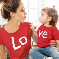 Парные футболки с надписью Love