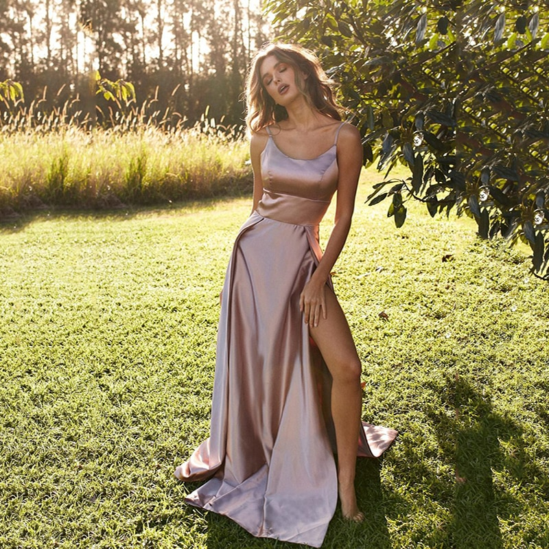 فستان شاطئ ساتان ، فستان حفلة ، مثير ، أحزمة سباغيتي ، فستان سهرة رسمي ، رسن ، نسائي ، المشاهير ، 2020