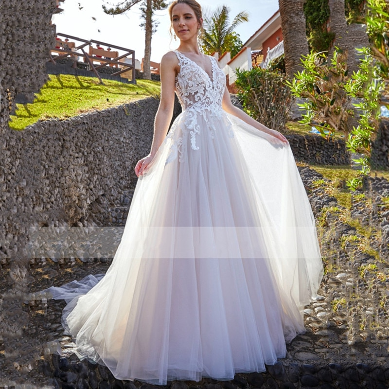 Promo Bohemian A Line V Neck Wedding Dress 2021 New Sleeveless Backless Illusion Tulle Lace Applique Sweep Train For Female Bride Gown