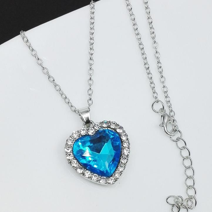 korean-version-of-the-simple-classic-alloy-inlaid-crystal-titanic-ocean-heart-necklace