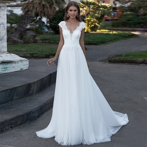 Simple Boho Wedding Dress 2020 Beach Bride Dress Plus Size Lace Appliques A-Line V-Neck Backless Chiffon Bridal Gowns Cheap