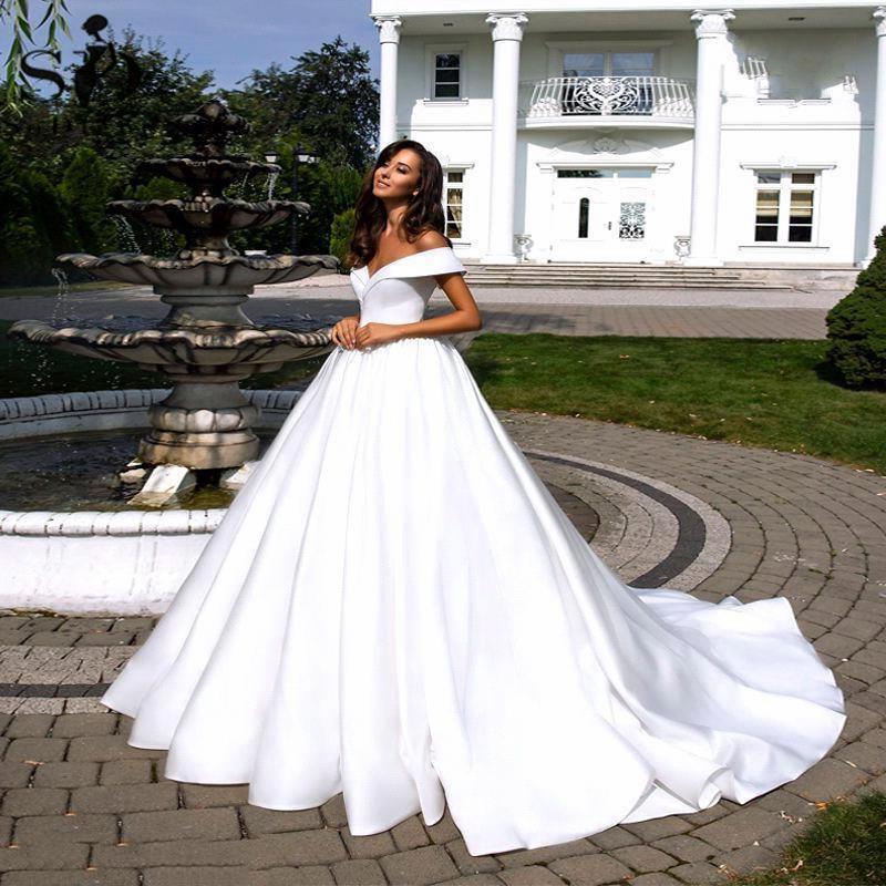 Simple White Satin Wedding Dress Boho Off the Shoulder Satin Backless Bridal Gown Plus Size Wedding Gowns Vestidos De Mariee