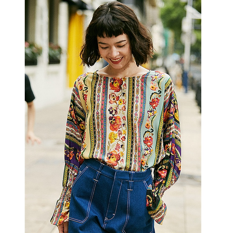 Top women 100% silk high quality printing and dyeing fabric long flare hollow sleeves ladies casual t-shirt new fashion