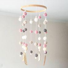 Bola de lana nórdica Ins, campanilla de viento para cama de bebé, atrapasueños, cadena colgante para habitación de niños, adorno colgante en la pared, accesorios