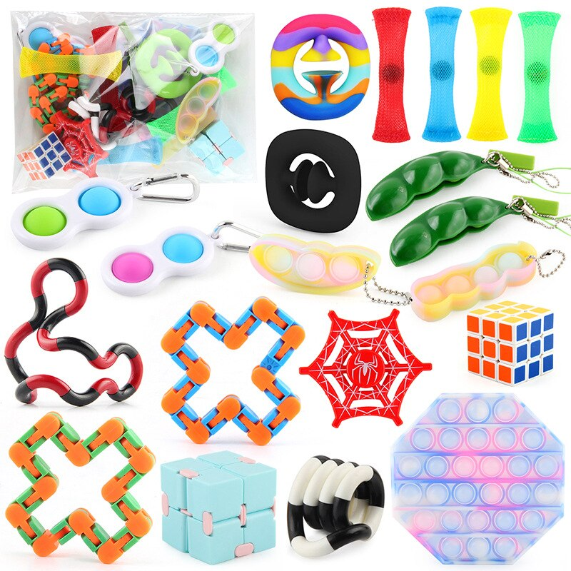 5/20/24 Set Fidget Toys Rodent Extermination Pioneer&Keychain&Track Chain Novelty Extrusion Toy For Adult Children Stress Relief enlarge