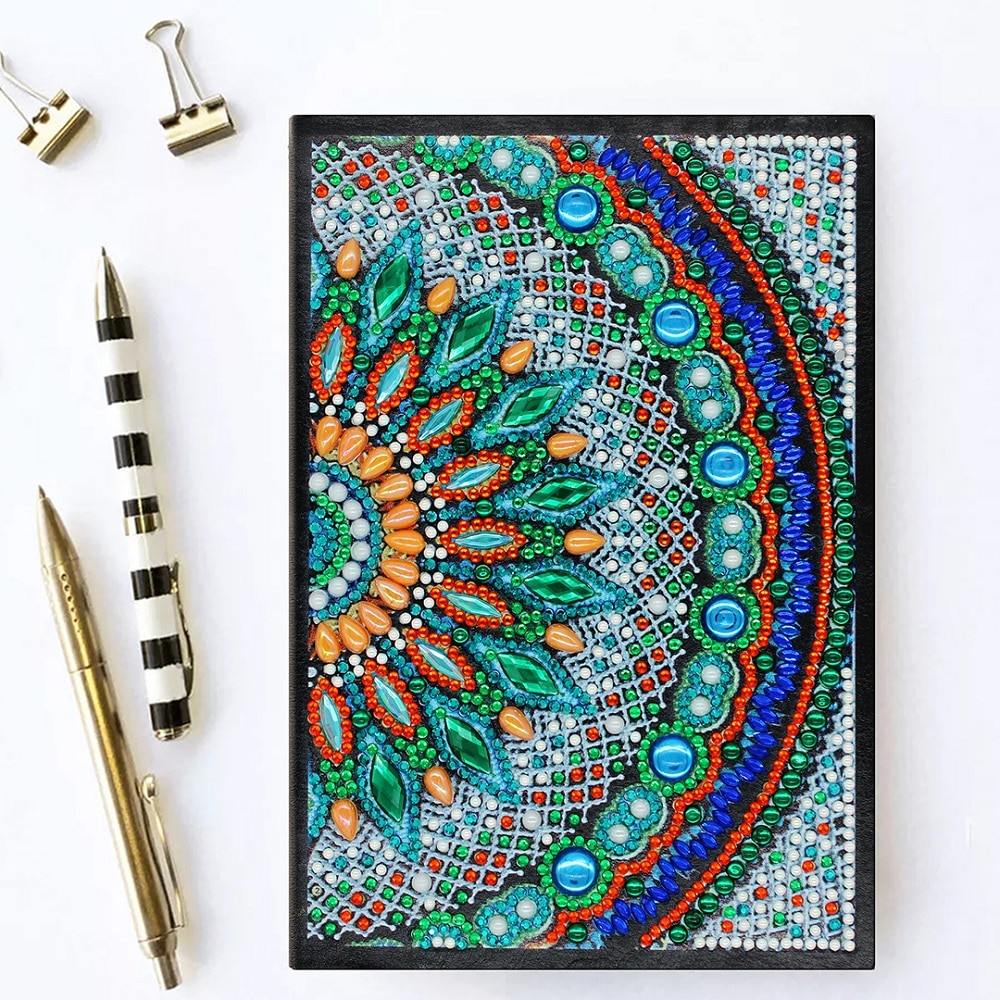 HeeBenor Store cuaderno de diamantes A5 64 páginas DIY especial forma de libro diario moda Mandala patrón de punto de cruz bordado NB51