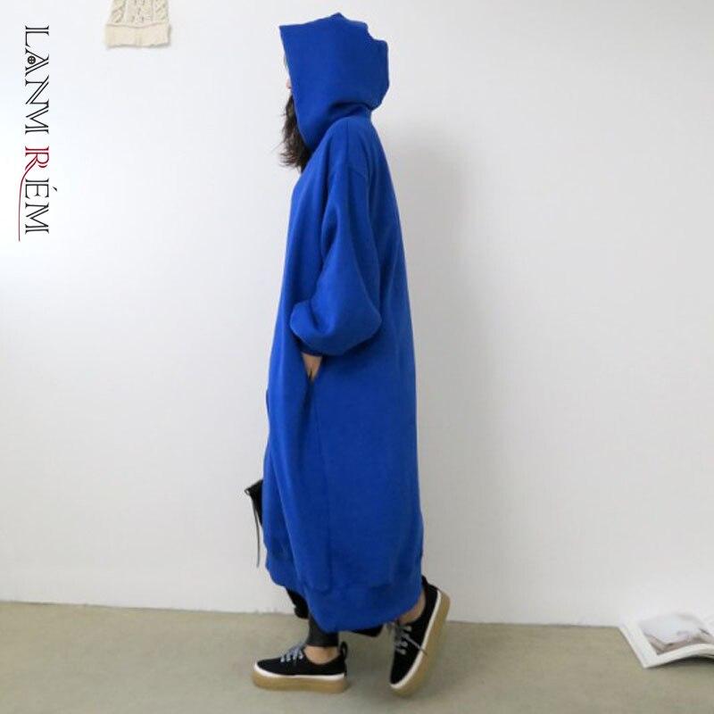 LANMREM 2021 خريف شتاء جديد فضفاض فستان سميك بقلنسوة للنساء فساتين طويلة باللون الأزرق ملابس نسائية أنيقة 2W660