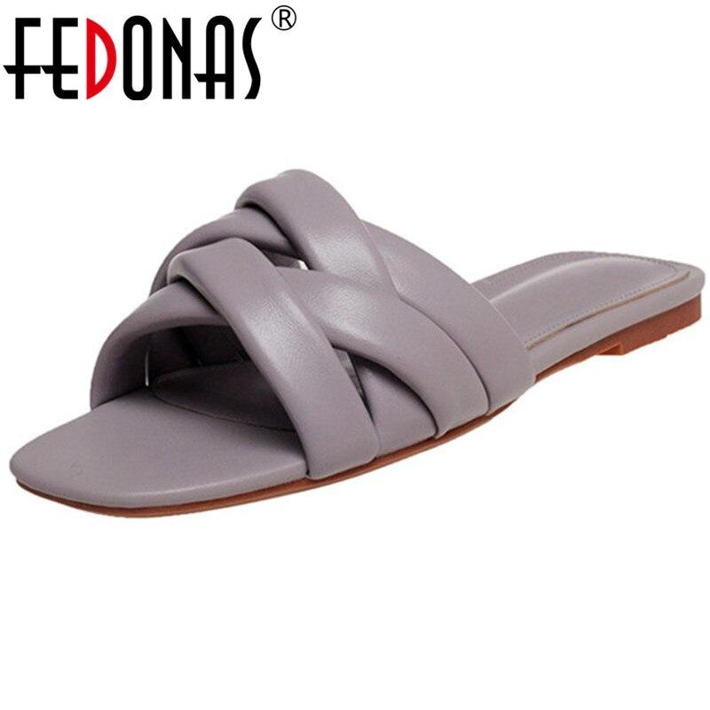 FEDONAS جلد طبيعي النساء حذاء مسطح 2021 الصيف موجزة تصميم النعال أحدث خمر صندل عادي الأساسية النساء