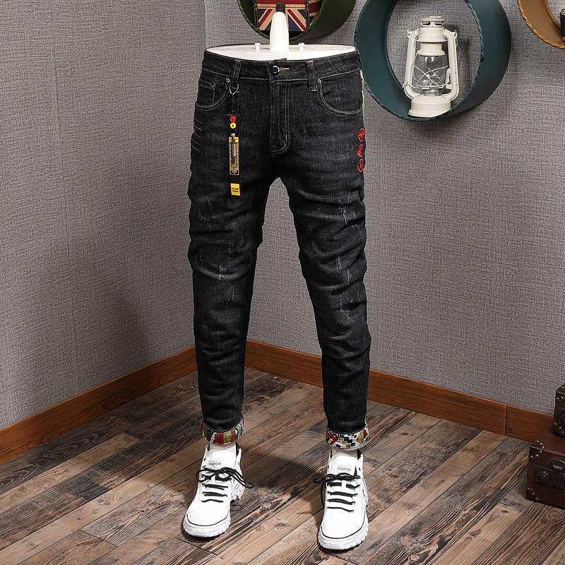 Новые дизайнерские модные мужские джинсы с вышивкой, эластичные облегающие рваные джинсовые брюки-карандаш, брюки в японском стиле хип-хоп ...