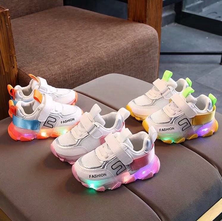 2020 Children LED Light Shoes Baby Girls Boys Letter Mesh Sport Run Sneakers Shoes with Luminous Sole Baby Light Up Shoes C12293
