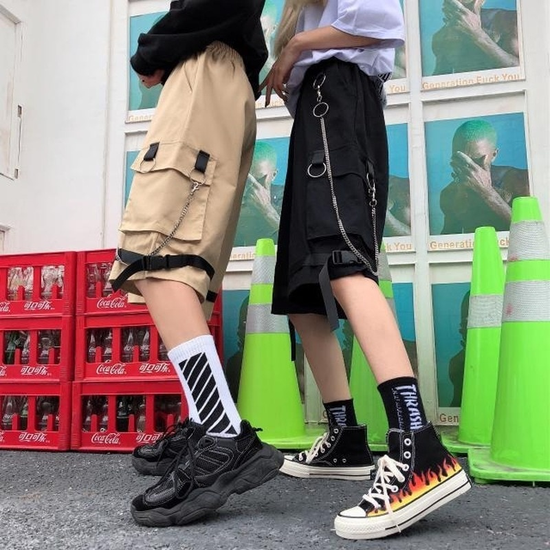 Cargo Shorts Womens with Chain Overalls Student Streetwear Woman Korean Loose Female Wide Leg Knee Length Pants Cropped Fashion grrcosy maternity autumn new korean sweatshirt loose sportswear with wide leg pants fashion pregnant woman set cloth