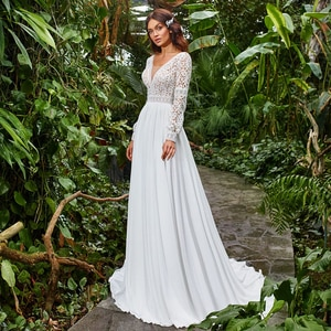 Plus Size Chiffon Wedding Dress 2021 Boho Scoop Neck Sweep Train Lace Long Sleeve A Line Bridal Gowns
