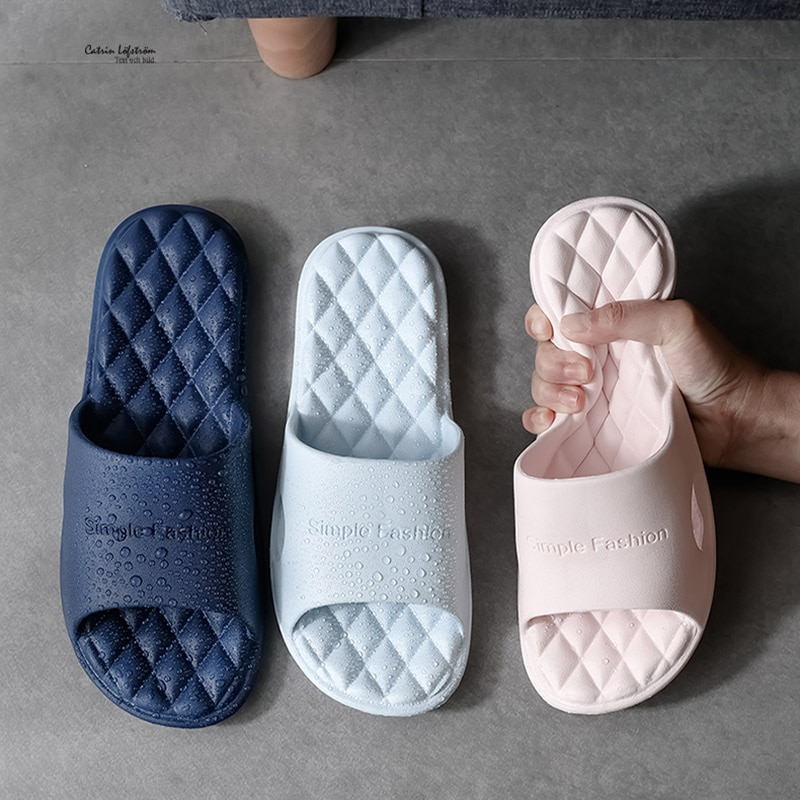 gienig 2018 summer men slippers a simple one with a thick bottomed leisure cool trend student anti skid wear resistant home 2020 New Slippers Women Summer Thick Bottom Indoor Home Couples Home Bathroom Non-slip Soft Ins Tide To Wear Cool Slippers