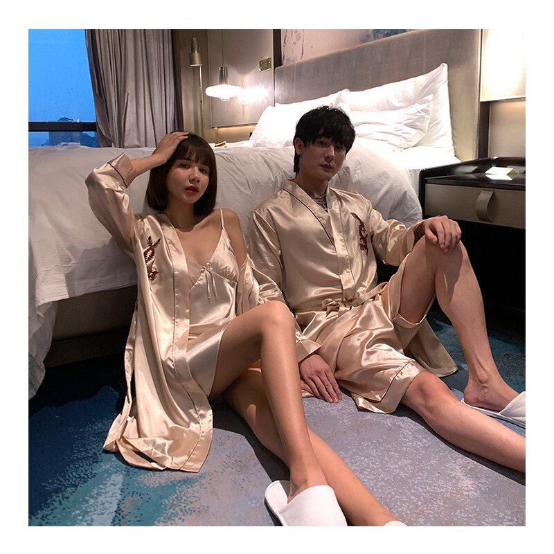 Пижама костюм Атлас Шелк халат +% 2B шорты +% 26 халат% 2Ночная рубашка Пижамы Комплекты Пара Пижамы Семья Пижама Любовник Ночь Костюм